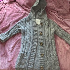 Adorable Gray Abercrombie Sweater